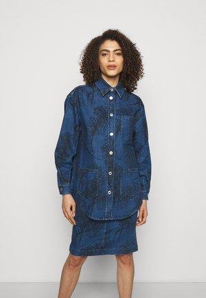 BLOUSE - Button-down blouse - fantasy blue