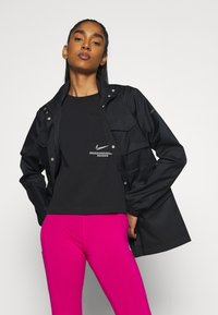 Nike Sportswear - Lett jakke - black/iron grey - 4