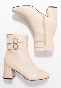 Even&Odd - Kotníkové boty - white - 3