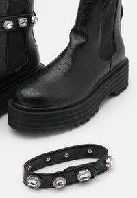RAID - KAREN - Platåstøvletter - black - 5