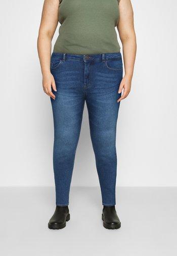 PCMIDFIVE FLEX - Jeans Skinny Fit - medium blue denim