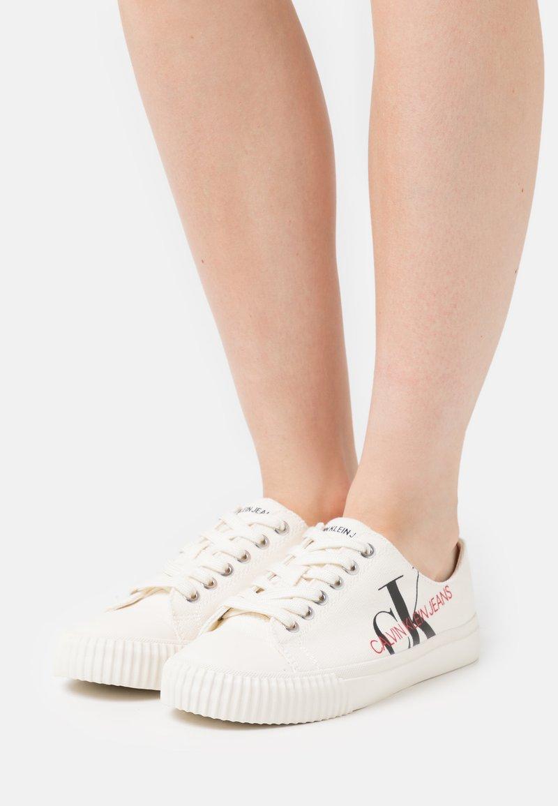 Calvin Klein Jeans - IRAYA - Zapatillas - bright white