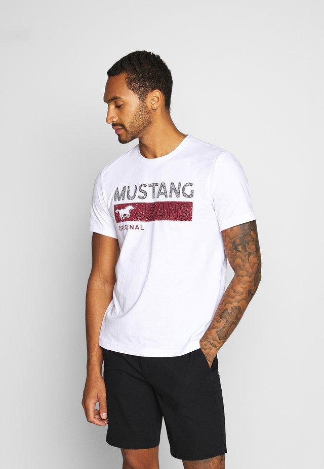 ALEX - Print T-shirt - white