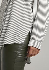 MY TRUE ME TOM TAILOR - Button-down blouse - offwhite rosin stripe - 4