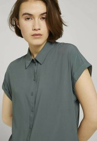 TOM TAILOR DENIM - Button-down blouse - dusty pine green - 3