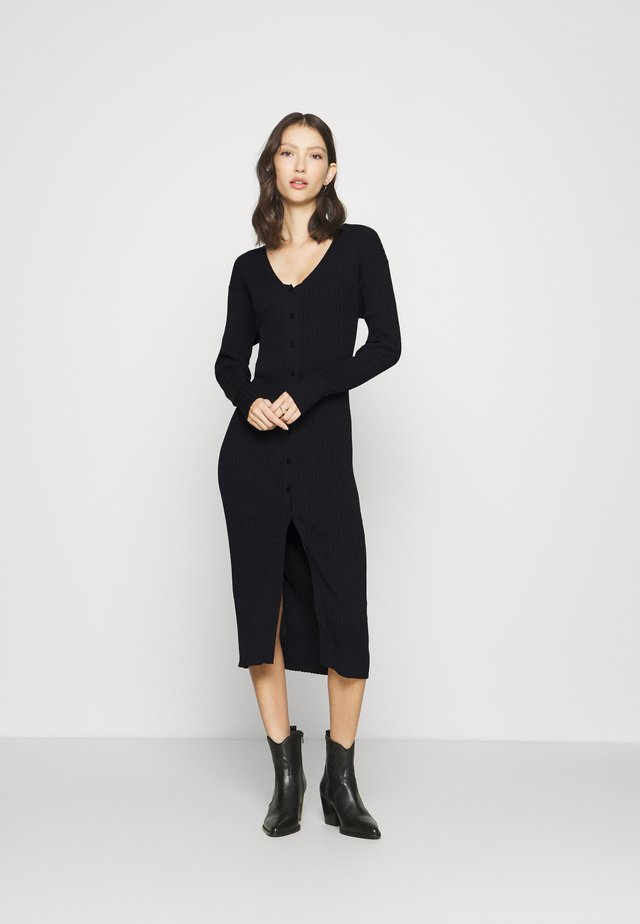 ALIA  - Stickad klänning - black