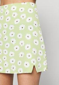 Glamorous - CARE NOTCH SKIRTS - Mini skirt - olive green - 3