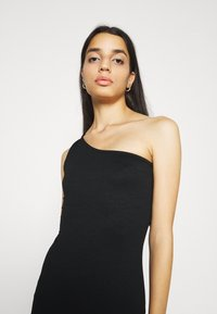 Gina Tricot - JOLINE ONE SHOULDER DRESS - Jersey dress - black - 3