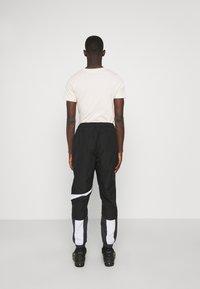 Nike Sportswear - PANT - Spodnie treningowe - black/anthracite/white - 0