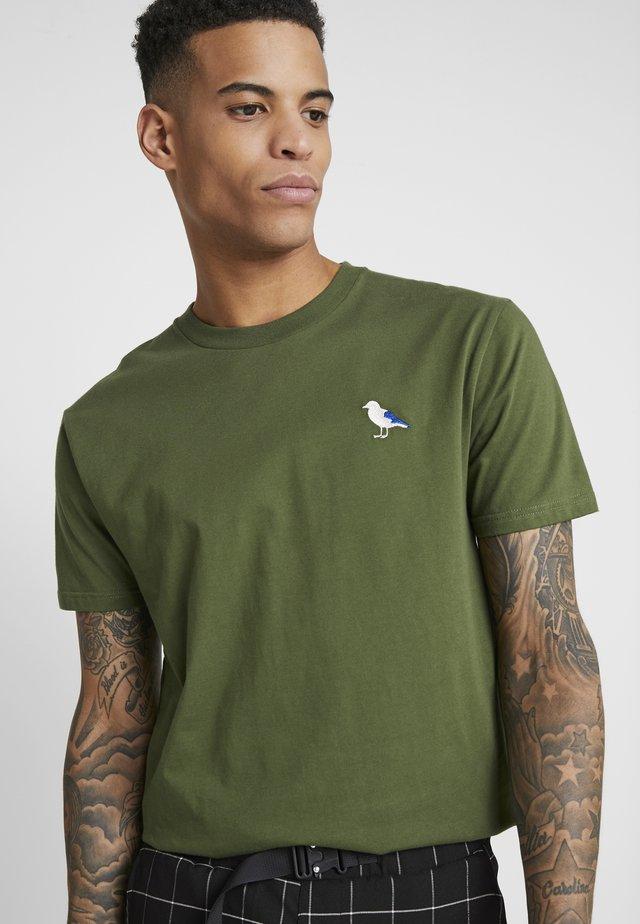 EMBRO GULL - T-shirt basic - rifle green