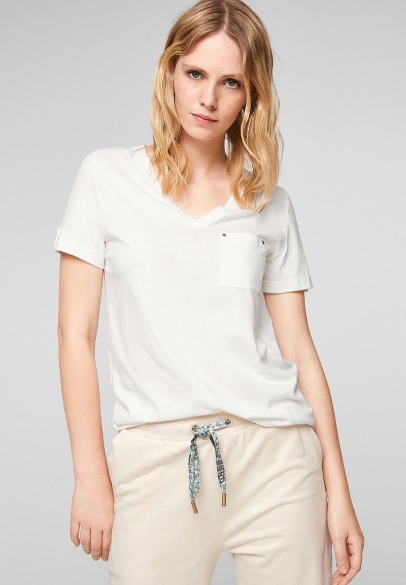 s.Oliver - BRUSTTASCHE - Basic T-shirt - offwhite
