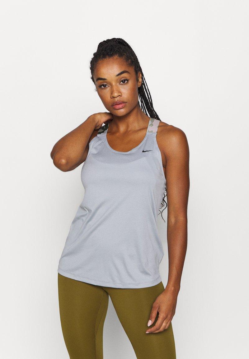 Nike Performance - TANK - Treningsskjorter - particle grey/black