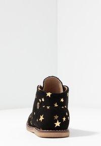 Walnut - BEAU DESERT  - Lace-ups - black/gold star - 3