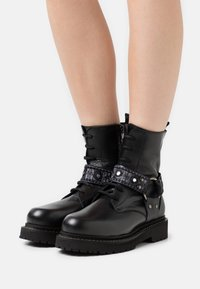 Pinko - MARTINE BOOT - Lace-up ankle boots - nero limousine - 0