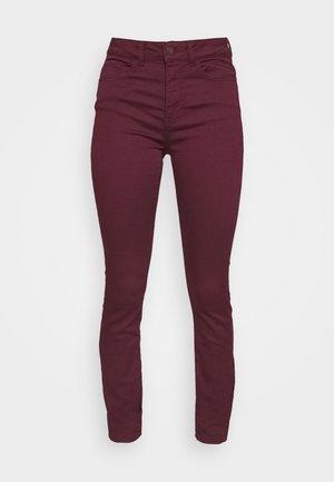 JDYLARA LIFE HIGH STRETCH - Jeans Skinny Fit - port royale