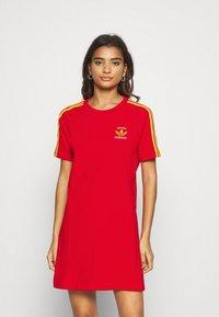 adidas Originals - STRIPES SPORTS INSPIRED REGULAR DRESS - Vestido ligero - red - 0