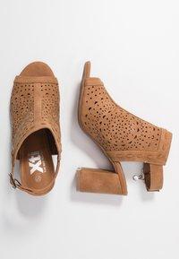 XTI - High heeled sandals - camel - 3