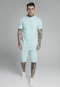 SIKSILK - STANDARD FIT TEE - Print T-shirt - blue - 1