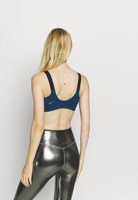Nike Performance - LOGO BRA PAD - Sujetadores deportivos con sujeción media - valerian blue/black/metallic cool grey - 2