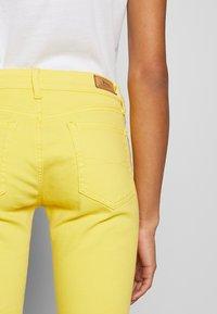 Polo Ralph Lauren - ROSELAKE - Skinny džíny - yellow - 3