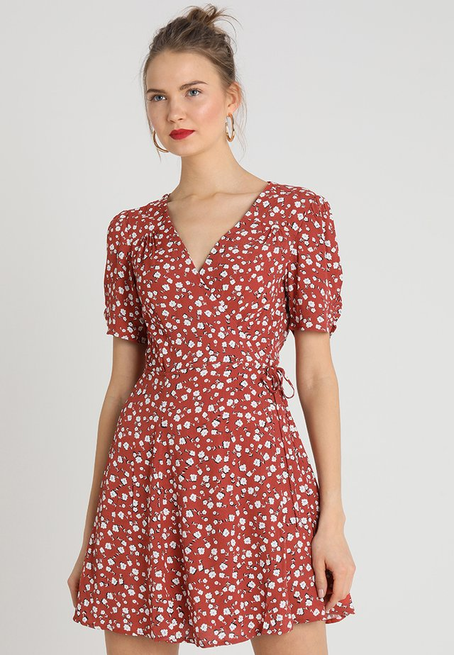 SHADY DAYS TEA DRESS - Vestido informal - rust