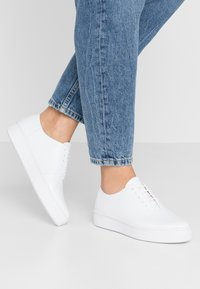 Vagabond - CAMILLE - Trainers - white - 0