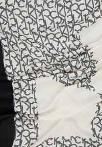 Calvin Klein - GEO QUILT SCARF - Foulard - black - 2