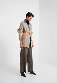 House of Dagmar - ANTIONETTE - Spodnie materiałowe - multi check - 1