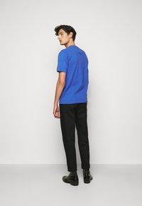Vivienne Westwood - GRANDAD - T-shirt basique - blue - 2