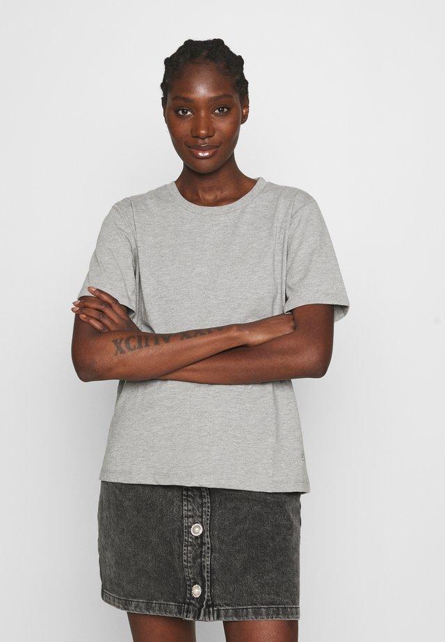 ROXIE TEE - Jednoduché triko - grey melange