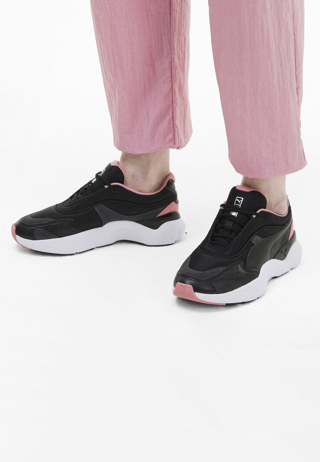 LIA TONAL - Trainers - puma black-salmon rose