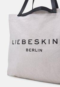Liebeskind Berlin - SHOPPER LARGE - Tote bag - pale moon - 4