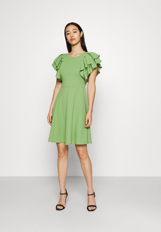 AILISA FRILL SLEEVE FROCK - Žerzejové šaty - pea green