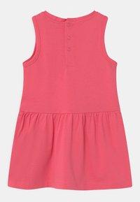 Guess - SLEVELESS - Jerseyjurk - rouge pink - 1