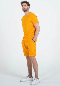Key Largo - Shorts - orange - 1