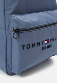 Tommy Hilfiger - ESTABLISHED BACKPACK UNISEX - Zaino - blue - 4