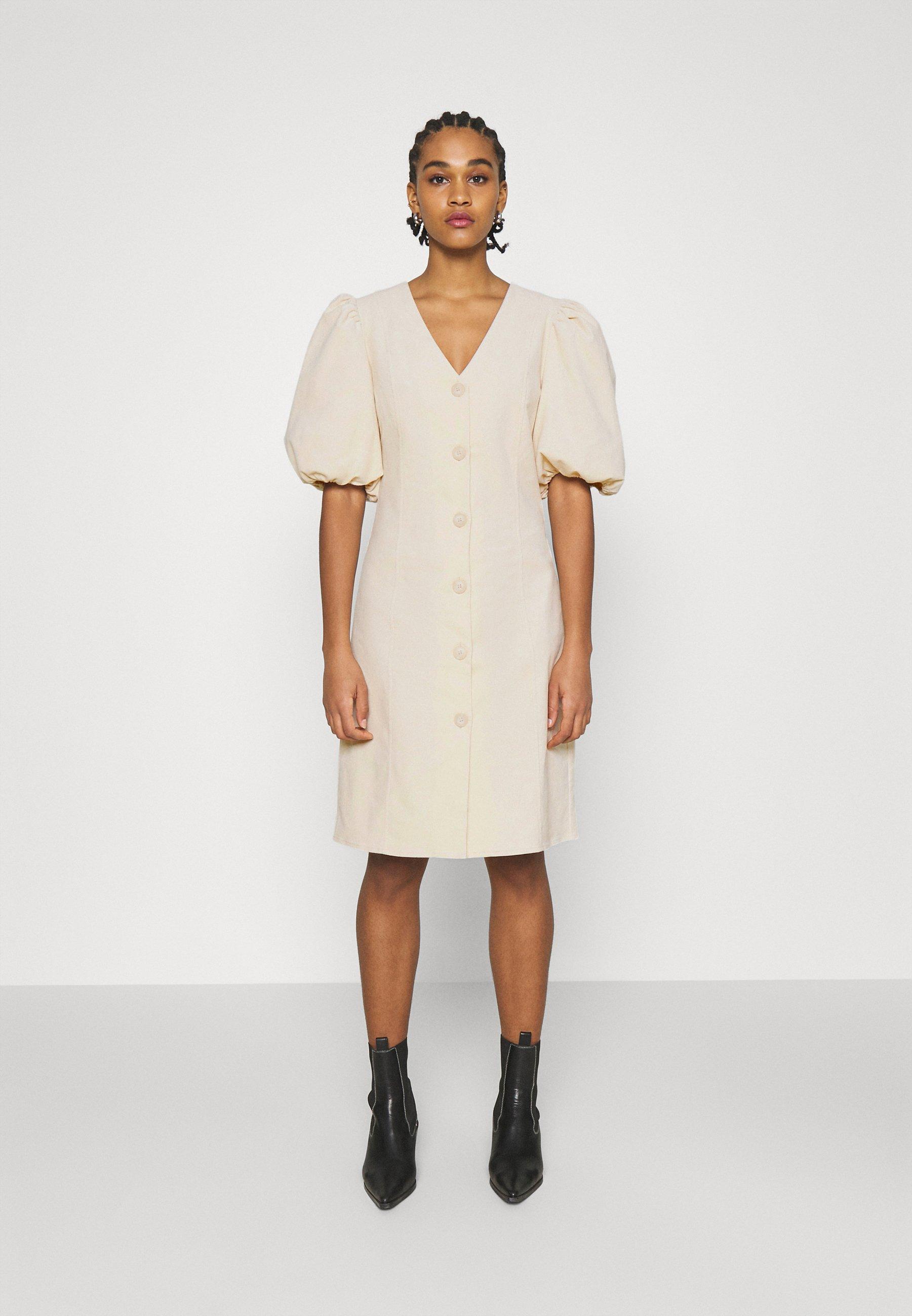 Women API - Day dress