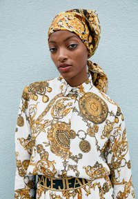 Versace Jeans Couture - SHIRT - Blouse - white/gold - 3