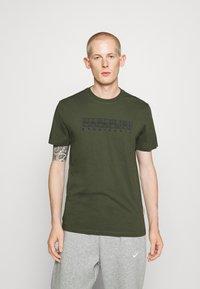 Napapijri - SEBEL - Print T-shirt - green - 0
