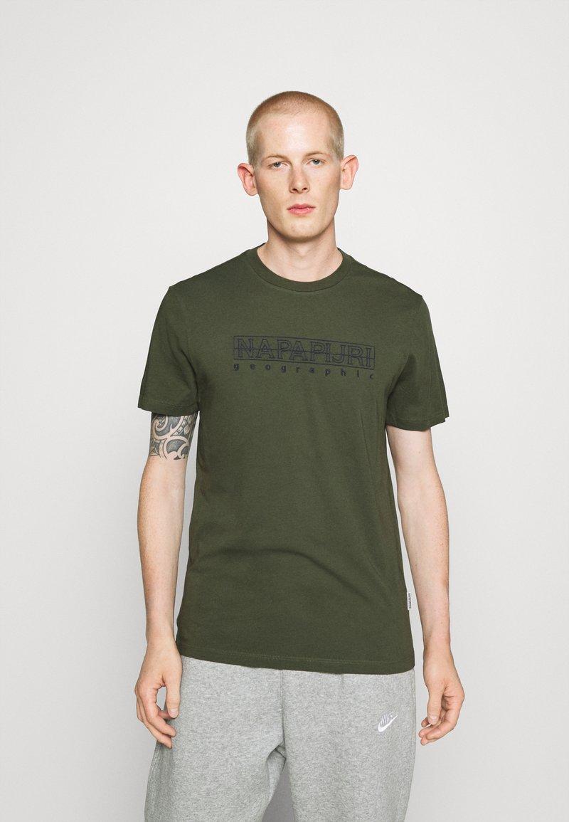 Napapijri - SEBEL - Print T-shirt - green