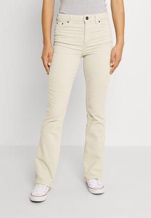 FLARE  - Spodnie materiałowe - ecru