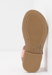Walnut - RYDER - Sandals - lolly pink - 4