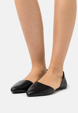 OPEN  - Ballerinat - black