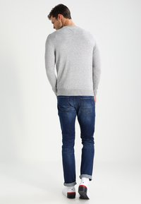 Tommy Hilfiger - C-NECK - Sweter - cloud heather - 2