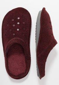 Crocs - CLASSIC - Slippers - burgundy - 1