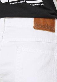 Kaotiko - BAGGY - Denim shorts - denim - 4