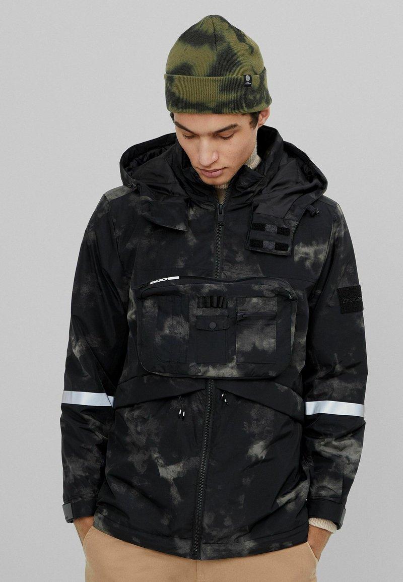 Bershka - Vinterjacka - khaki