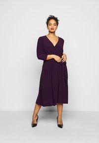 Lauren Ralph Lauren Woman - CARLYNA DAY DRESS - Jersey dress - raisin - 1