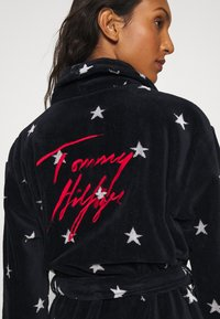 Tommy Hilfiger - TOWELLING ROBE STARS - Dressing gown - desert sky - 4