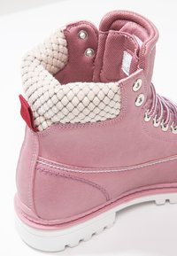 KangaROOS - RIVETER  - Lace-up ankle boots - pink - 6
